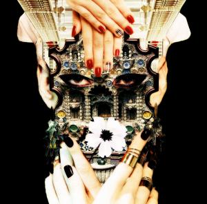 """""""Freilassen"""". 11/15. Inspirada na capa do álbum Dangerous de Michael Jackson, uma homenagem ao artista que sempre cantou por um mundo melhor, um com menos ódio e mais amor."""